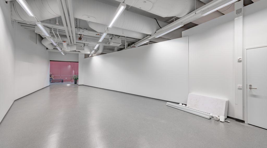 Keravan Karuselli liiketila 70 m2 näkymä sisäänkäyntiin