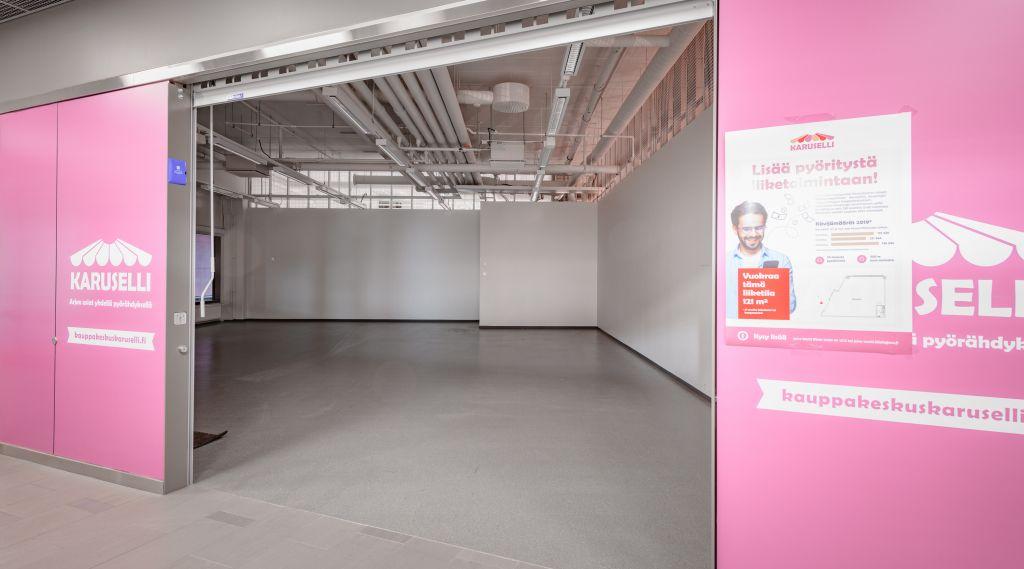 Keravan Karuselli liiketila 121 m2 näkymä sisäänkäynniltä