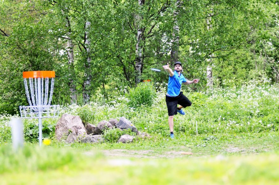 Talin frisbeegolfpuistossa voitat itsesi
