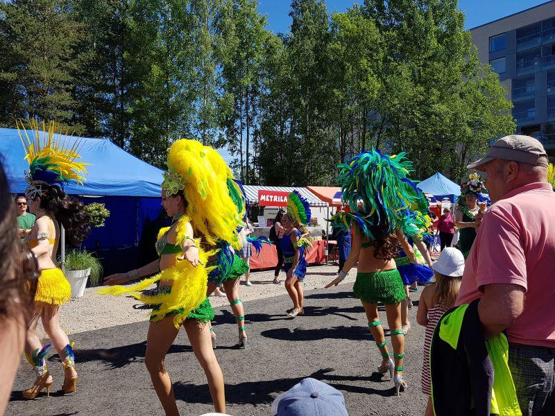 Keimolanmäki karnevaalitunnelmissa