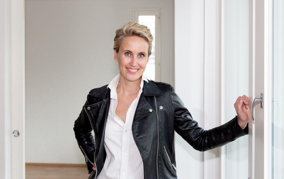 Sisustussuunnittelija Niina Ahonen hemmottelee itseään kotimaisilla klassikoilla