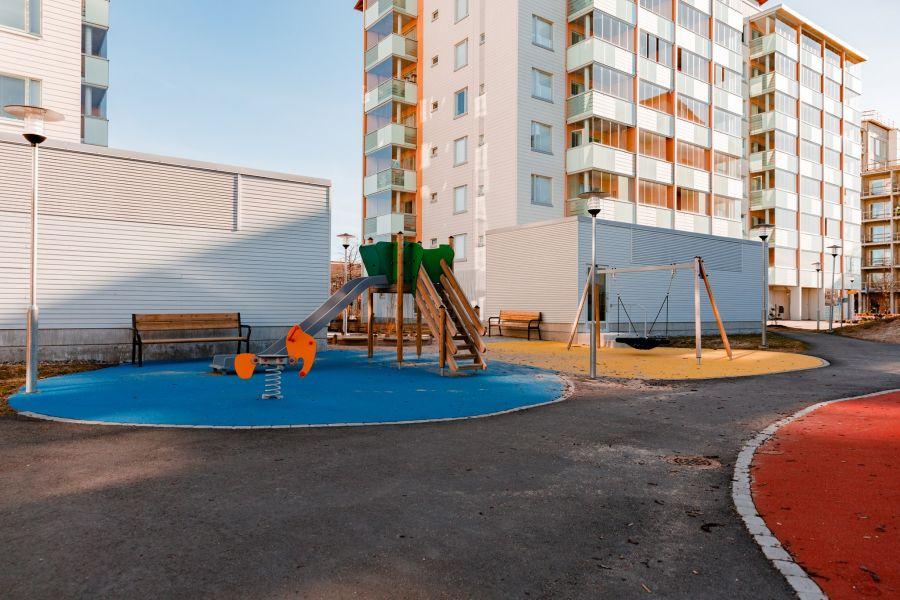 Uusien kerrostalojen piha-alueet suunnitellaan elämistä varten