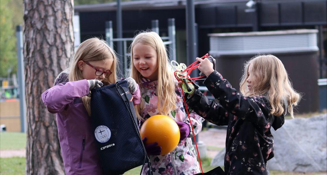 Harrastusvälineitä kouluihin – Olympiapäivänä innostetaan kokeilemaan